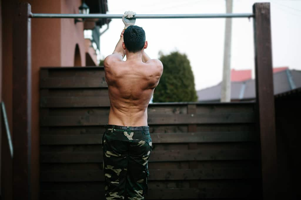 Uneven Pull-Ups